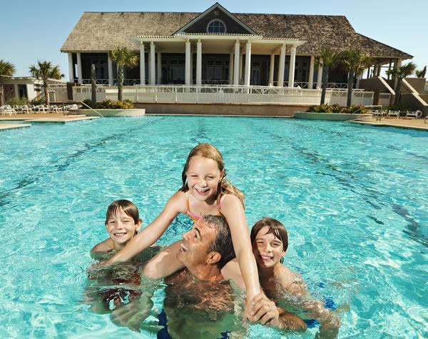 Country Club Pool